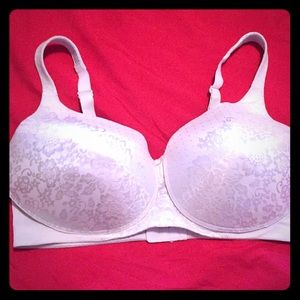 Vanity Fair white bra, 42DD